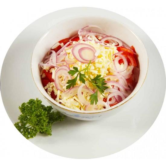 Salată de roşii cu brânză si ceapă